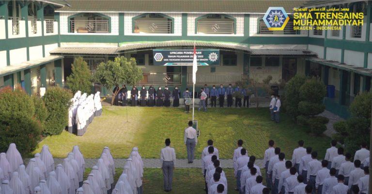 Upacara Bendera di SMA Trensains Muhammadiyah Sragen